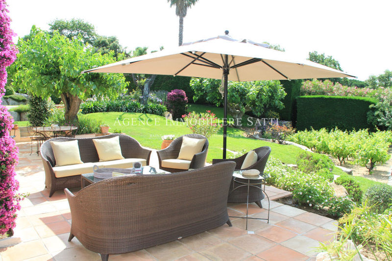 Photo Villa provençale Saint-Tropez Proche plages,  Location saisonnière villa provençale  6 chambres   280m²