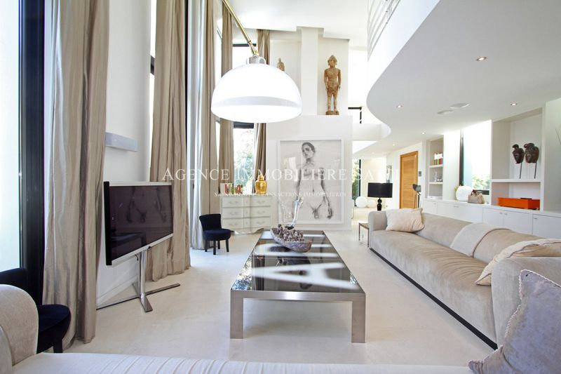 Photo Contemporary house Saint-Tropez Centre-ville,  Location saisonnière contemporary house  5 bedrooms   400 m²