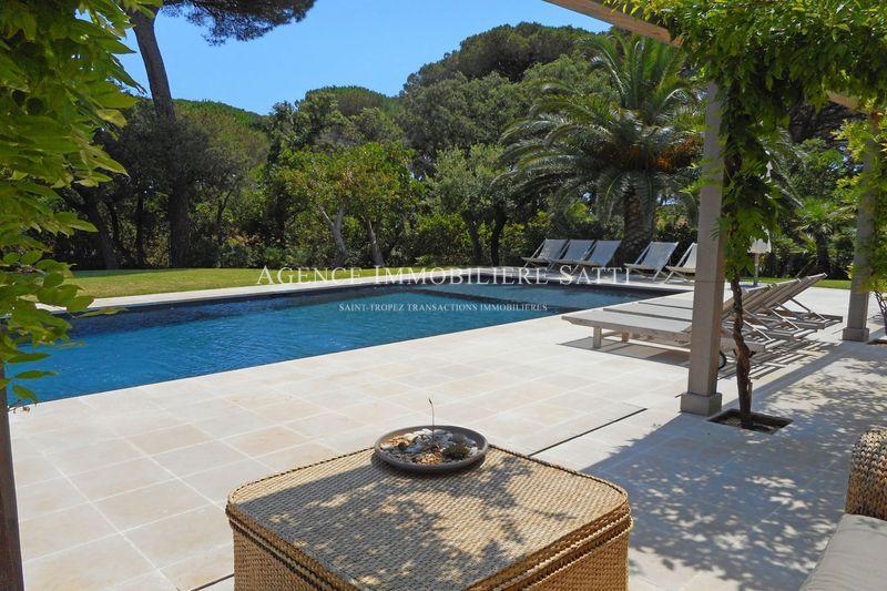 Photo Villa Saint-Tropez Proche plages,  Location saisonnière villa  5 chambres   220m²
