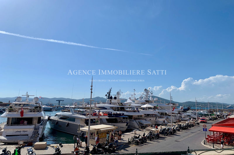 Photo Apartment Saint-Tropez Centre-ville,  Location saisonnière apartment  2 rooms   55 m²