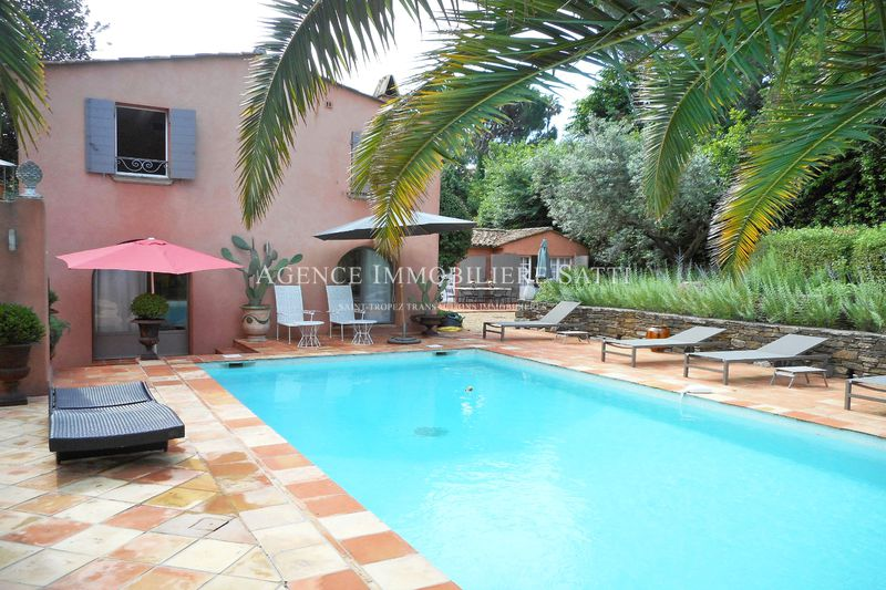 Photo Maison de village Saint-Tropez Village,  Location saisonnière maison de village  4 chambres   160 m²