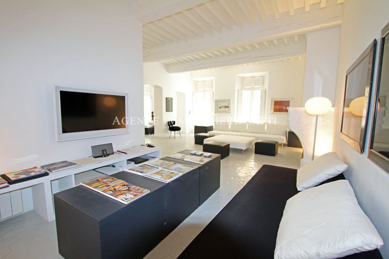 Photo Apartment Saint-Tropez Village,  Location saisonnière apartment  3 rooms   80 m²