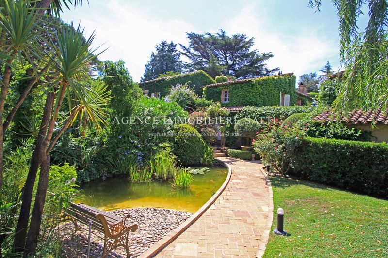 Photo Property Saint-Tropez   to buy property  8 bedrooms   492 m²