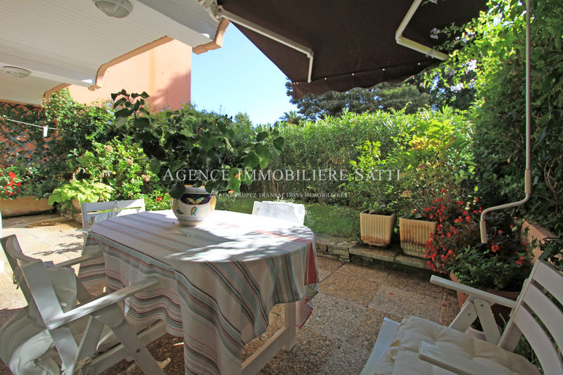 Photo Apartment Saint-Tropez Village,   to buy apartment  2 rooms   62 m²