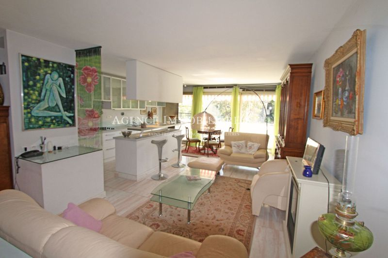 Photo Appartement Saint-Tropez Village,   achat appartement  4 pièces   91 m²