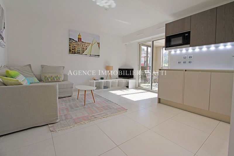 Photo Appartement Saint-Tropez Village,   achat appartement  2 pièces   45 m²