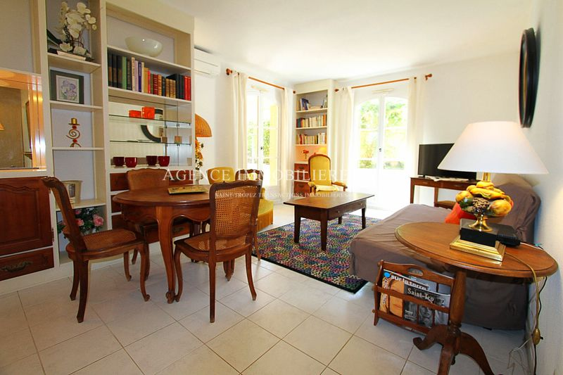 Photo Appartement Saint-Tropez Village,   achat appartement  3 pièces   67 m²
