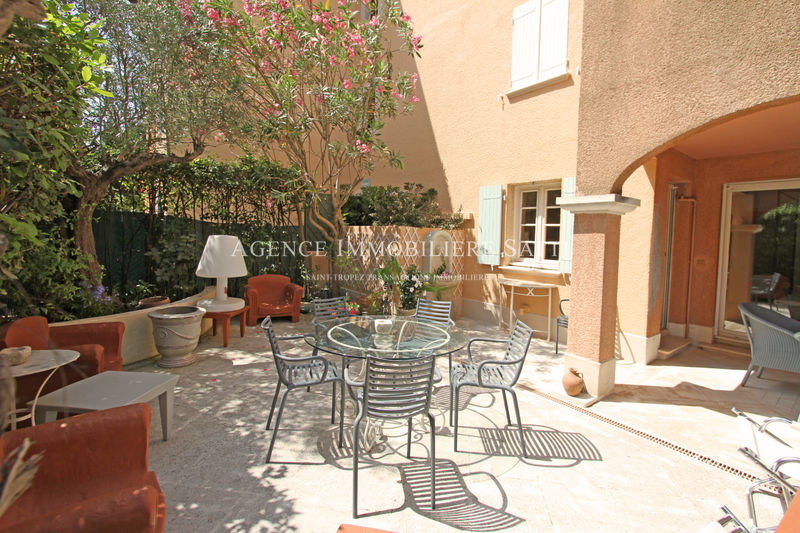 Photo Appartement Saint-Tropez   achat appartement  3 pièces   71 m²