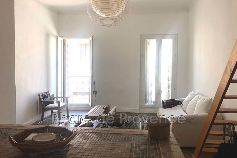 Photo n°2 - Location appartement Marseille 13002 - 705 €