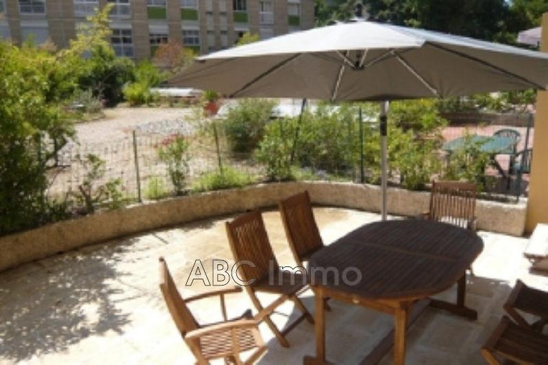 Photo Appartement Aix-en-Provence Centre-ville,  Location appartement  2 pièces   33m²