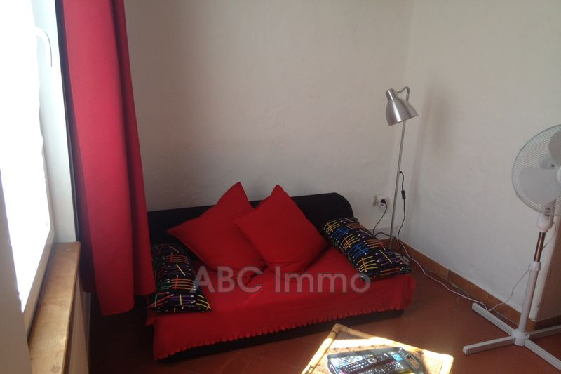 Photo Appartement Aix-en-Provence Centre-ville,  Location appartement  1 pièce   15 m²