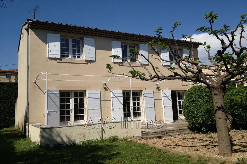 Photo Villa Aix-en-Provence Centre-ville,  Location villa  5 chambres   146m²