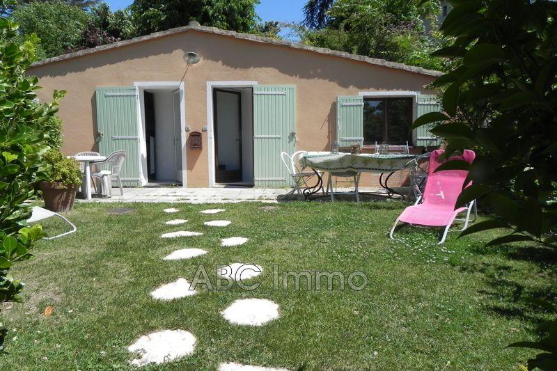Photo Appartement Aix-en-Provence Centre-ville,  Location appartement  1 pièce   20m²