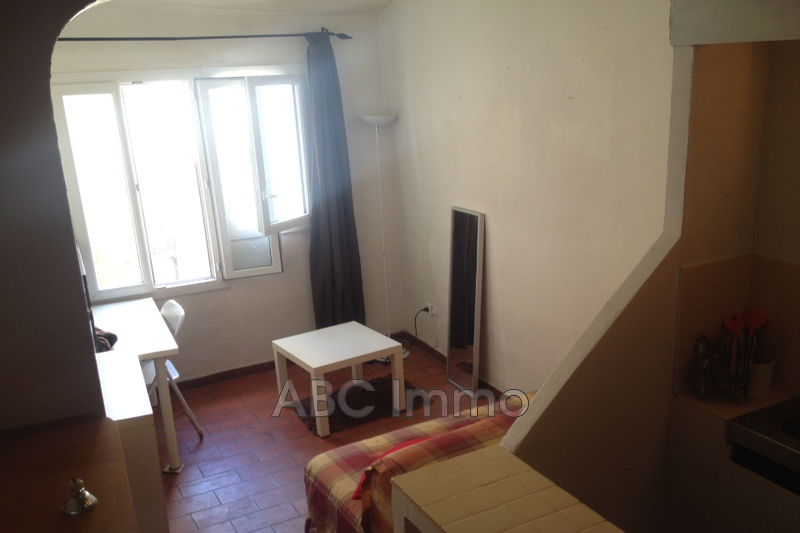 Photo Appartement Aix-en-Provence Centre-ville,  Location appartement  1 pièce   14 m²