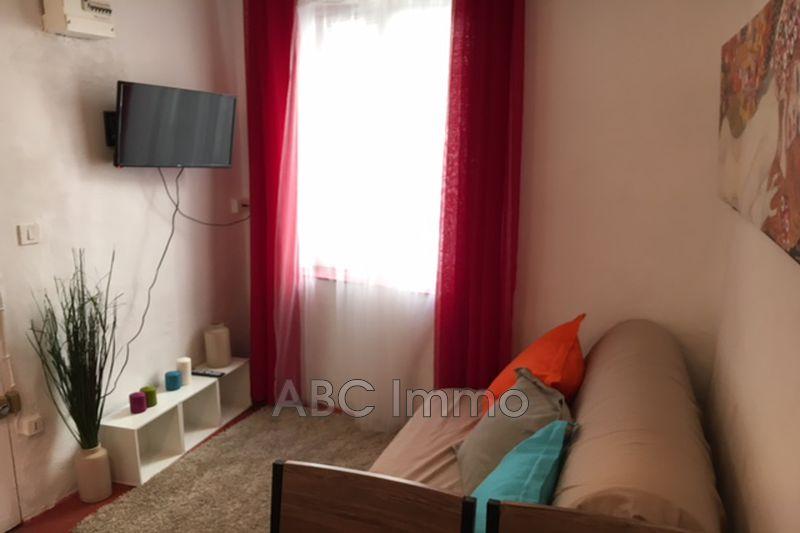 Photo Appartement Aix-en-Provence Centre-ville,  Location appartement  1 pièce   12m²