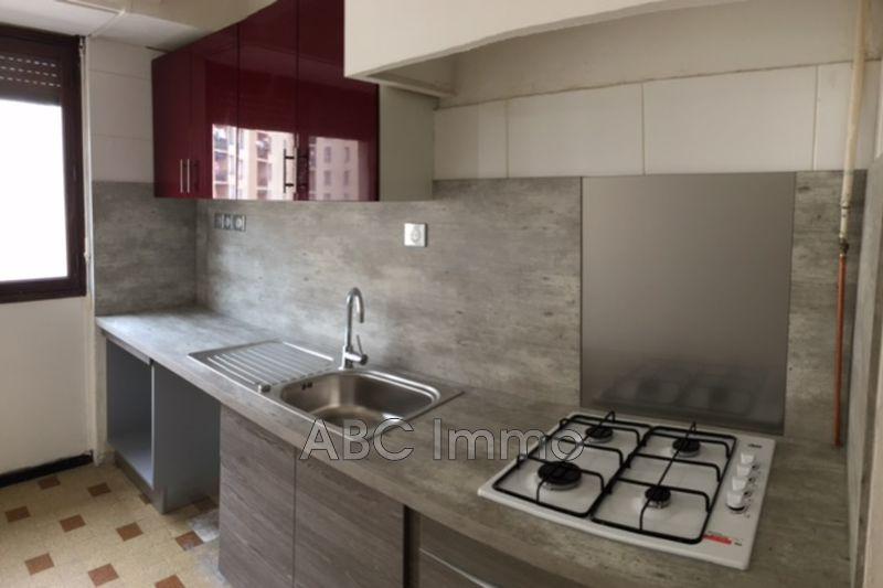 Photo Appartement Marseille Centre-ville,  Location appartement  3 pièces   62m²