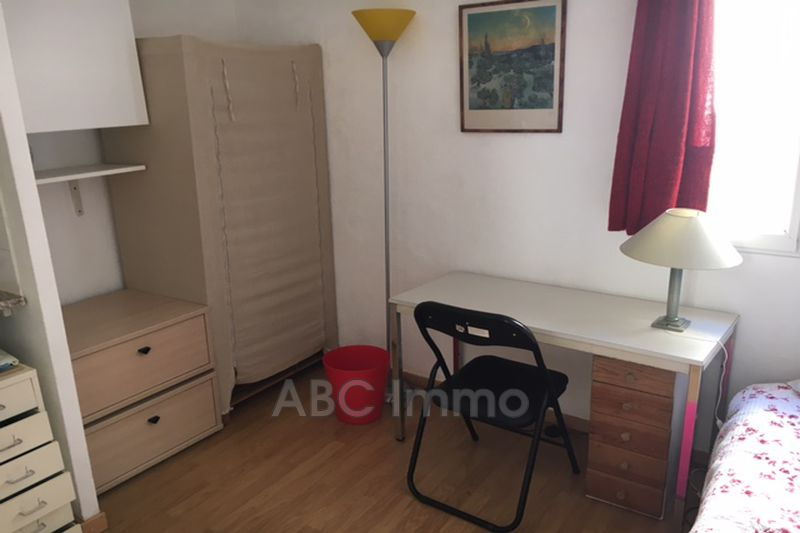 Photo Appartement Aix-en-Provence Centre-ville,  Location appartement  1 pièce   12 m²