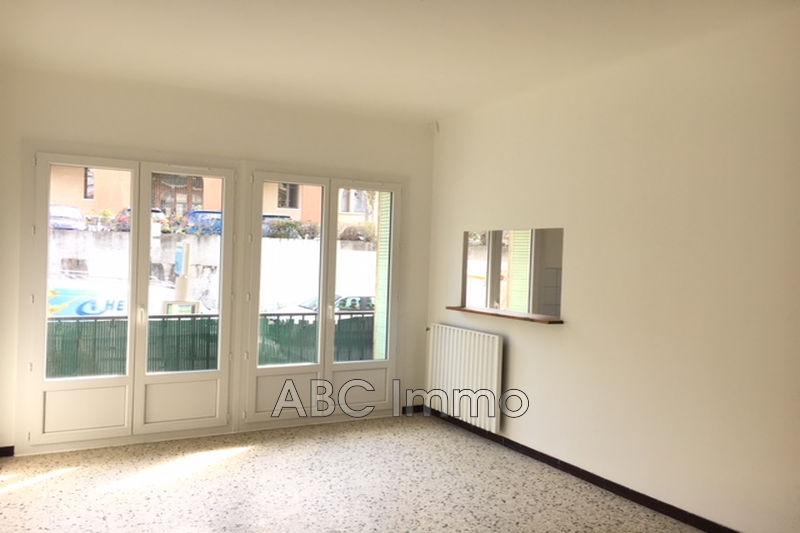 Photo Appartement Aix-en-Provence  Location appartement  3 pièces   60m²