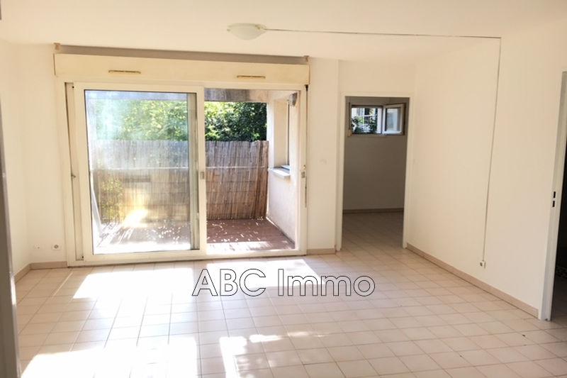 Photo Appartement Aix-en-Provence  Location appartement  2 pièces   43m²