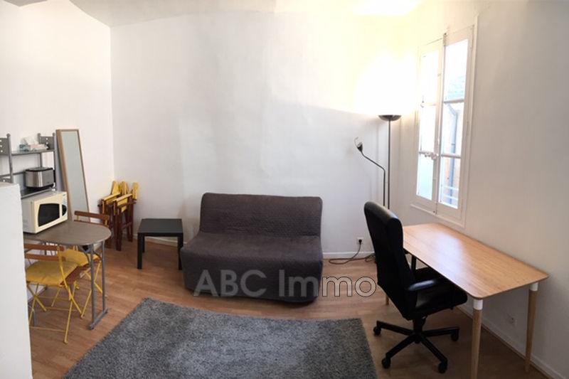 Photo Appartement Aix-en-Provence Proche cathedrale,  Location appartement  1 pièce   19m²