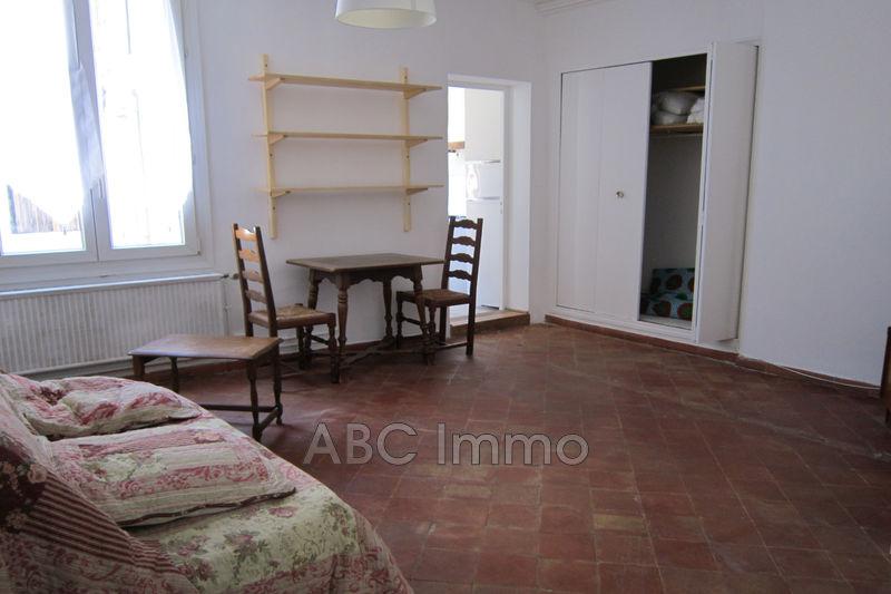 Photo Appartement Aix-en-Provence Centre-ville,  Location appartement   30m²