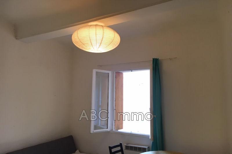 Photo Appartement Aix-en-Provence Centre-ville,  Location appartement  1 pièce   22m²