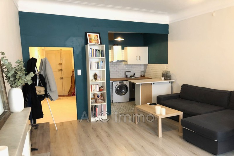 Photo Appartement Aix-en-Provence Centre-ville,  Location appartement  1 pièce   36 m²