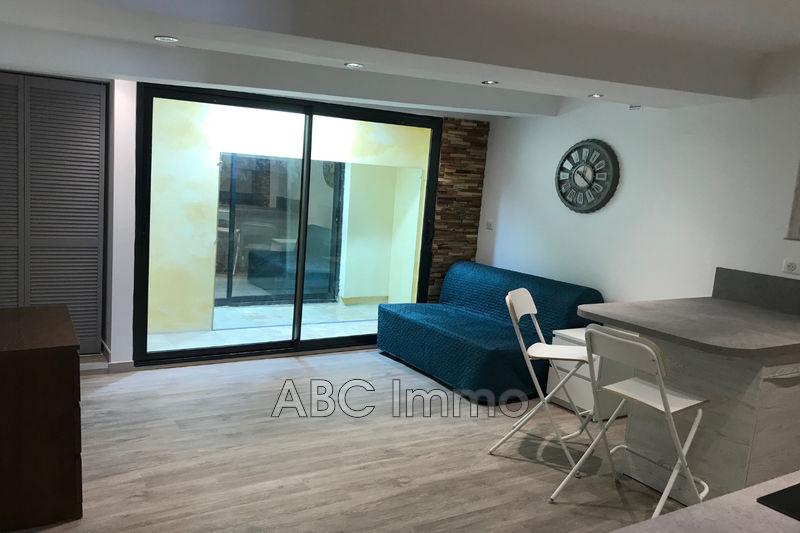 Photo Appartement Aix-en-Provence Centre-ville,  Location appartement  1 pièce   23m²