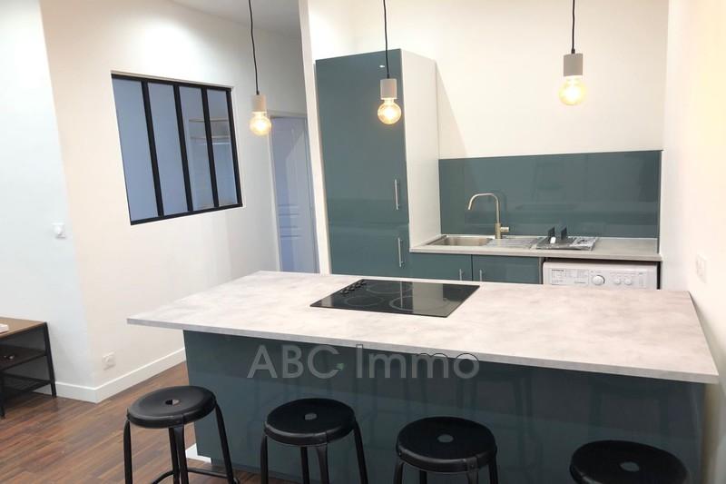 Photo Appartement Aix-en-Provence Centre-ville,  Location appartement  2 pièces   34m²
