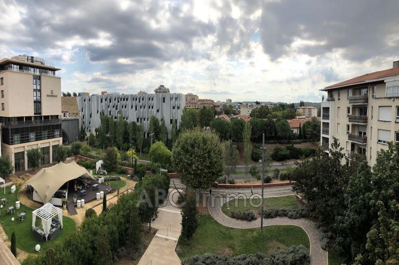 Photo Appartement Aix-en-Provence  Location appartement  3 pièces   66m²