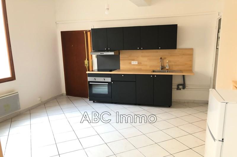 Photo Appartement Aix-en-Provence Centre-ville,  Location appartement  3 pièces   56m²