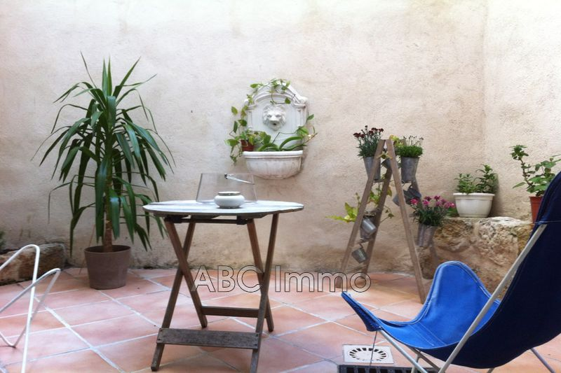 Photo Appartement Aix-en-Provence Centre-ville,  Location appartement  2 pièces   42 m²