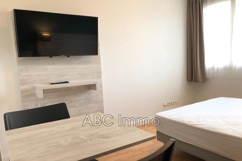 Photo Appartement Aix-en-Provence   achat appartement  1 pièce   16m²