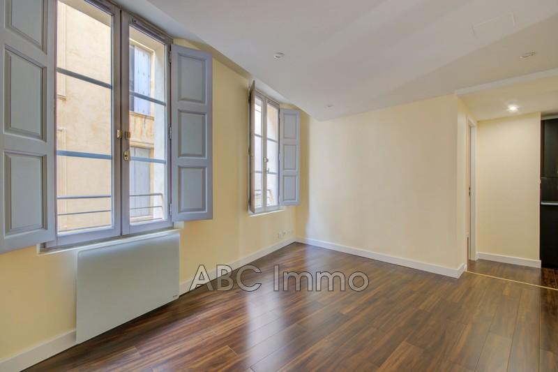 Photo Appartement Aix-en-Provence Centre-ville,   achat appartement  3 pièces   44m²