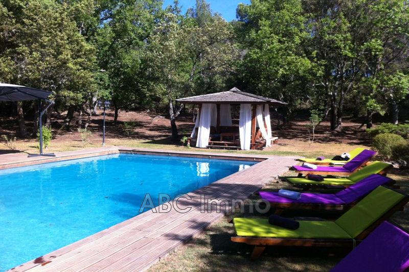 Photo Villa Jouques Village,   achat villa  6 chambres   300m²
