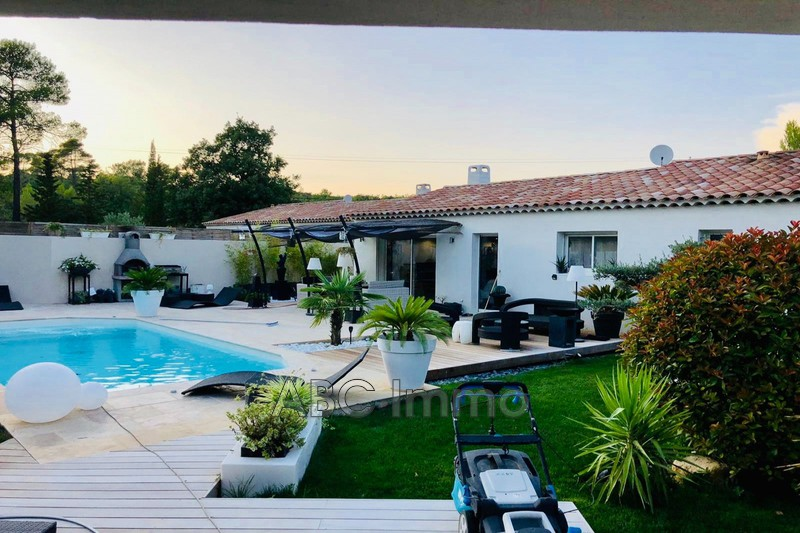Photo Maison contemporaine Saint-Maximin-la-Sainte-Baume Campagne,   achat maison contemporaine  4 chambres   110m²
