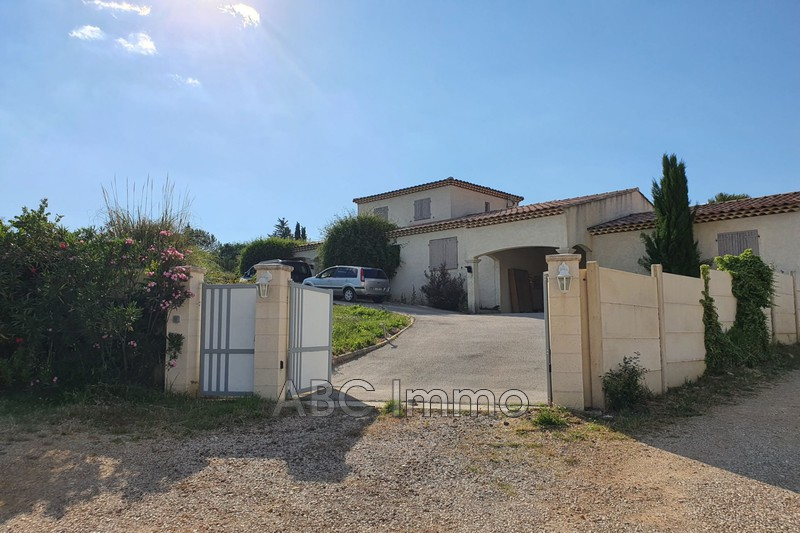 Photo Villa Saint-Maximin-la-Sainte-Baume Village,   achat villa  3 chambres   170m²