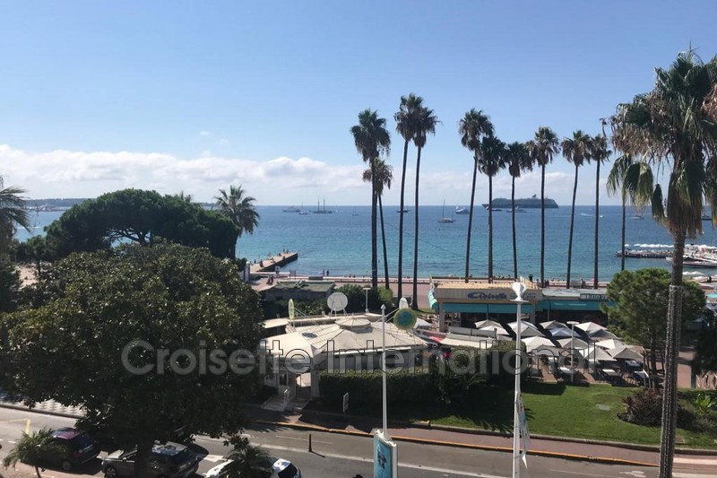 Photo Appartement Cannes Croisette,  Location appartement  3 pièces   120m²