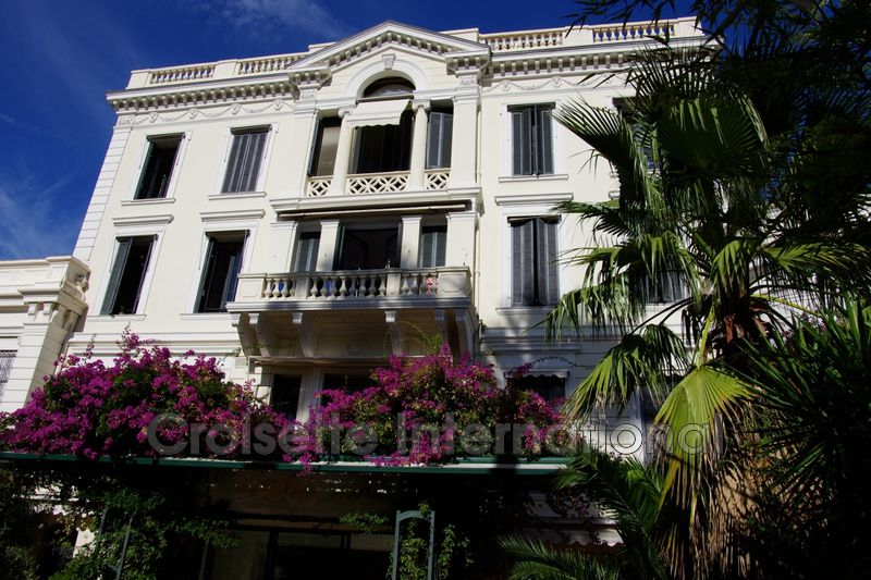 Photo Duplex Cannes Downtown,   to buy duplex  6 rooms   220 m²