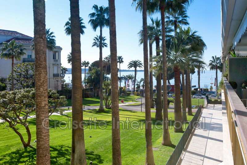 Photo Apartment Cannes Croisette grand hôtel,   to buy apartment  3 rooms   62 m²