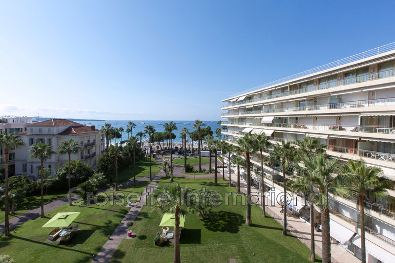 Photo Apartment Cannes Croisette grand hôtel,   to buy apartment  3 rooms   101 m²