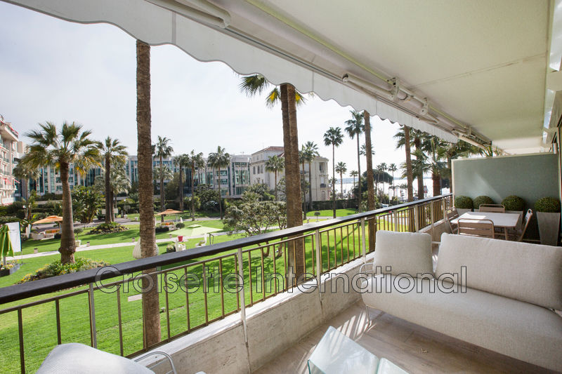 Photo Apartment Cannes Croisette grand hôtel,   to buy apartment  4 rooms   92 m²
