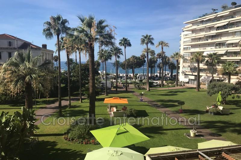 Photo Appartement Cannes Croisette,   achat appartement  4 pièces   136m²