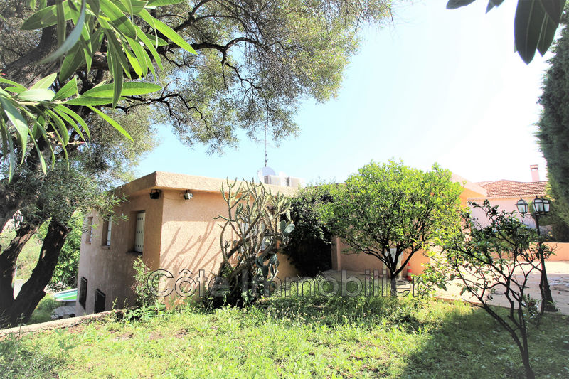 maison  7 rooms  Antibes Near the center  210m² -