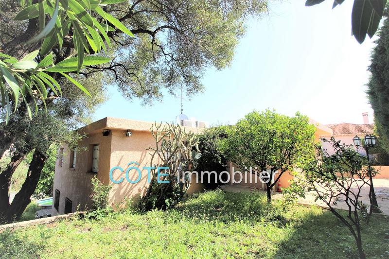 maison  7 pièces  Antibes Proche centre  210m² -