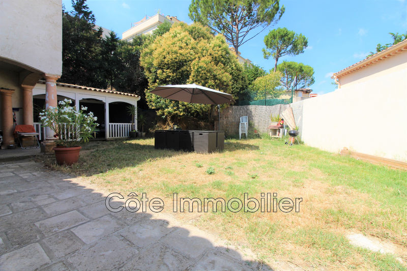 maison  4 rooms  Antibes Mi hauteurs  160 m² -