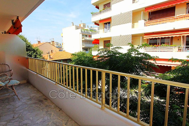 appartement  studio  Antibes Centre  28 m² -