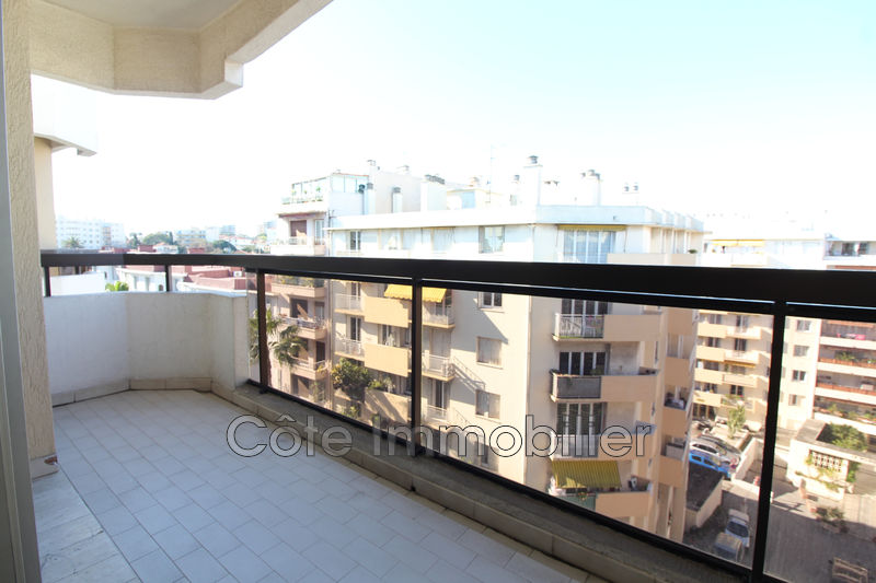 appartement  studio  Antibes Centre  26 m² -
