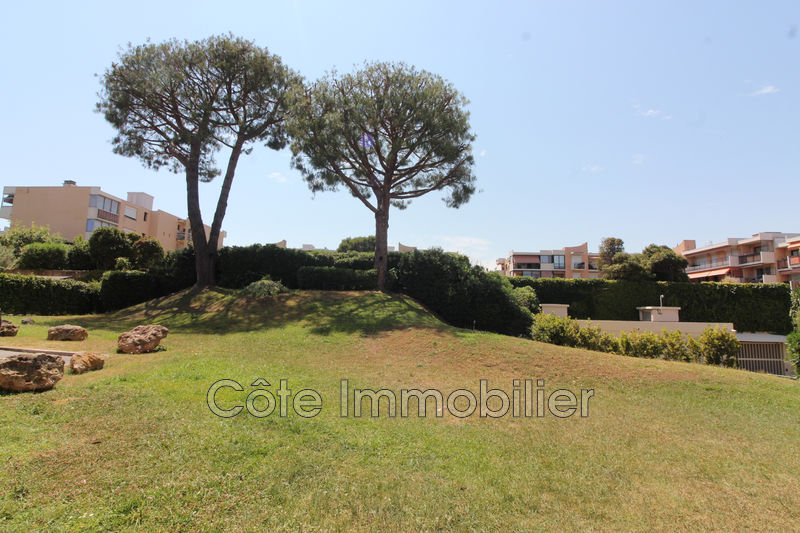 appartement  1 room  Antibes Is antibes  33 m² -