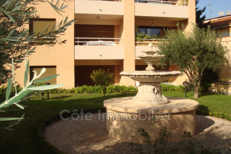 appartement  3 rooms  Antibes Proche plage, vieil antibes  60 m² -